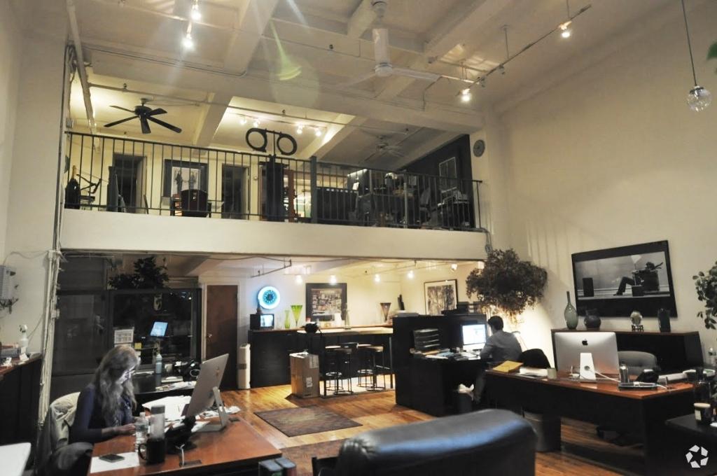 242 West 27th Street – Small Office with Double Height Ceiling and Skylights
