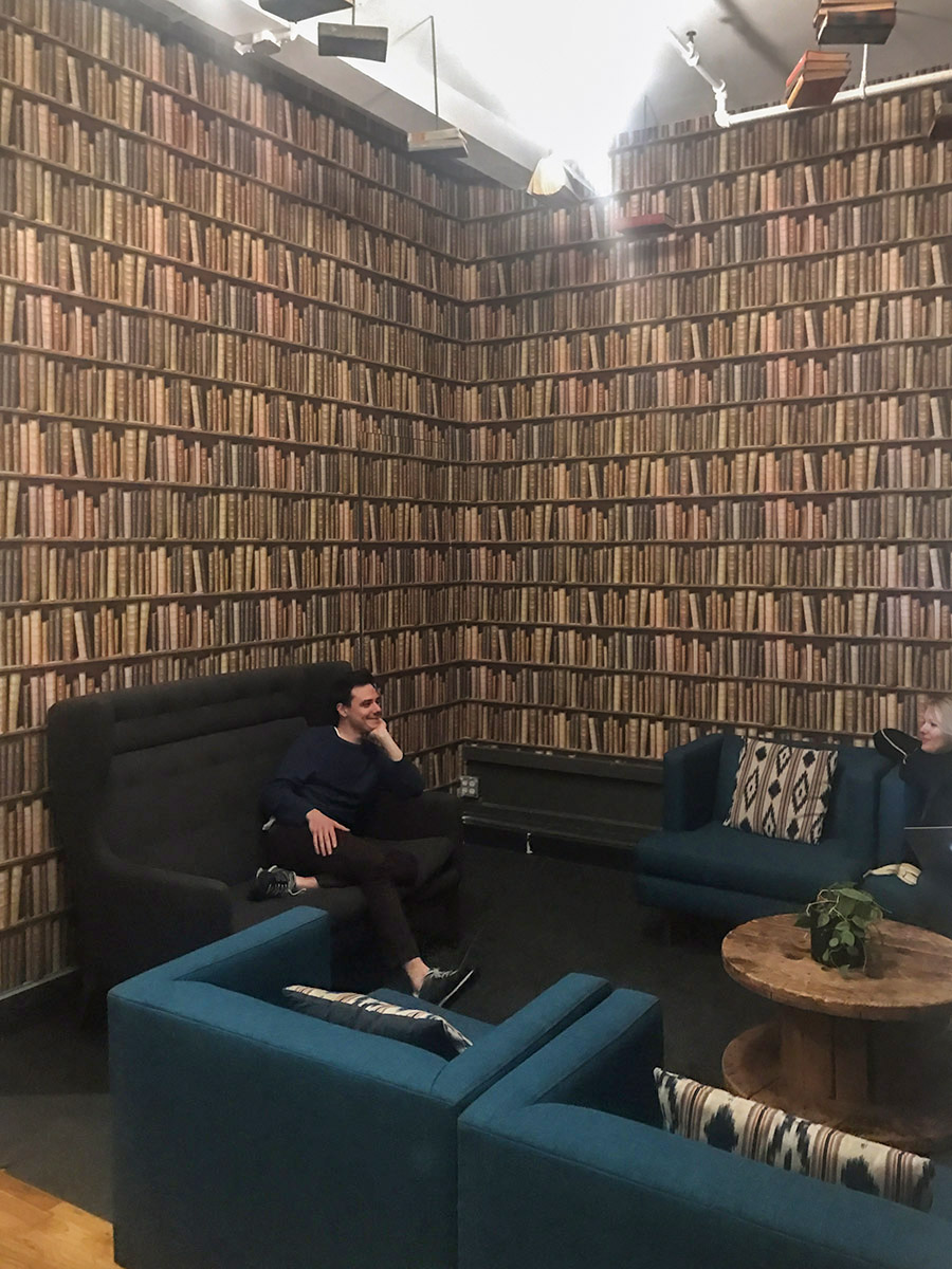 Library - Cool Creative Vibe